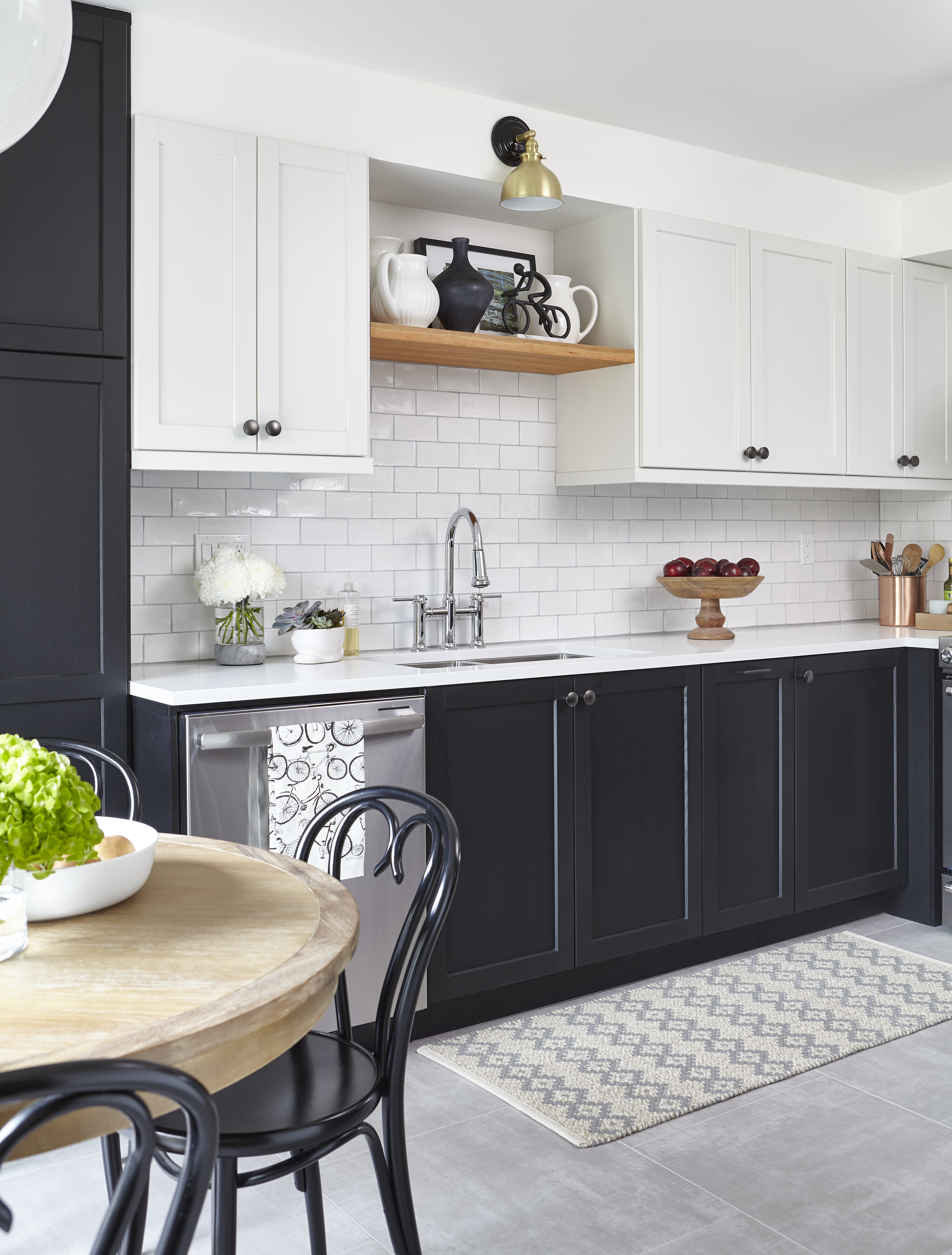 The Ombra Range Hood From Zephyr Adds So Much To Kitchen And Black Stainless Steel Finish Is Perfect I Now Think Every Needs A